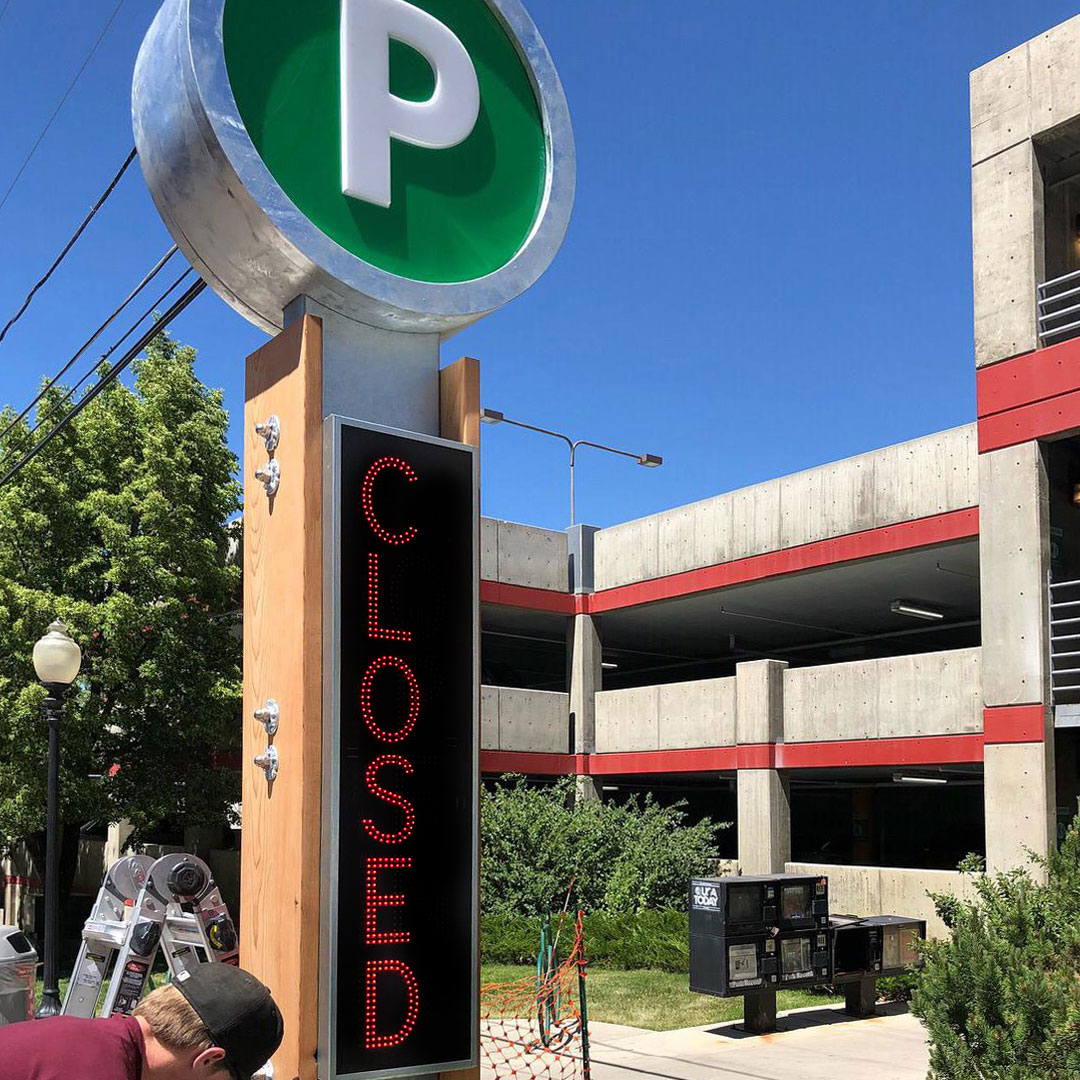 Outdoor LED Parking Closed Signs